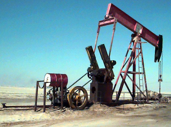 KD033 Oil Well